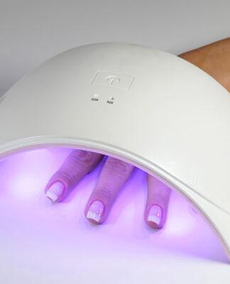 Lampka UV czy lampa LED do paznokci
